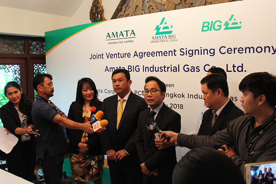 ABIG-Signing-Agreement-06